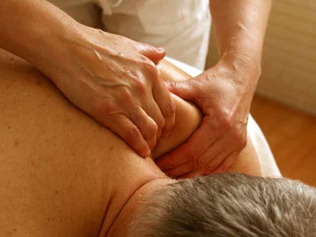 massage-389716_1280_pixabay